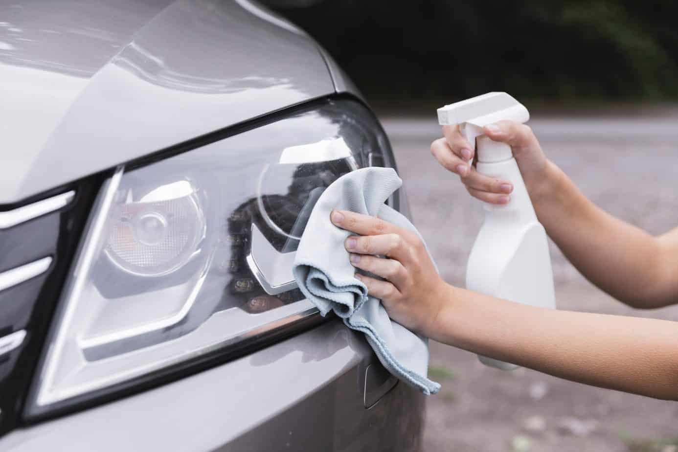 Using Microfibre Cloths to Clean Cars